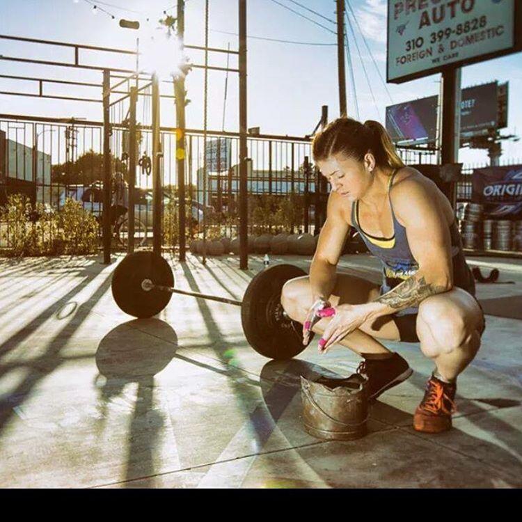 Lindsey Valenzuela - World Renowned elite CrossFit Athlete ...